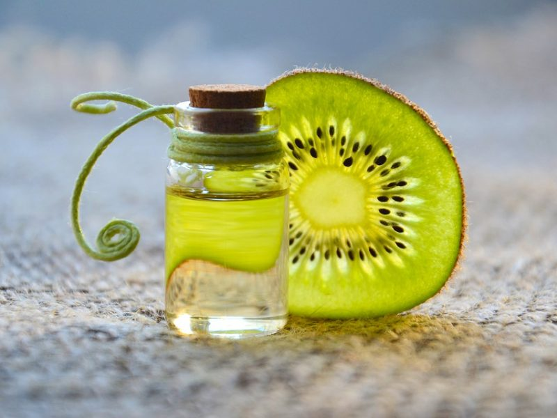 Olio vettore per massaggio vegetale al kiwi