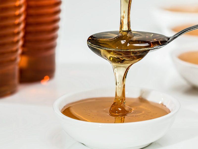 Miele presente nello shampoo all'uovo fatto in casa