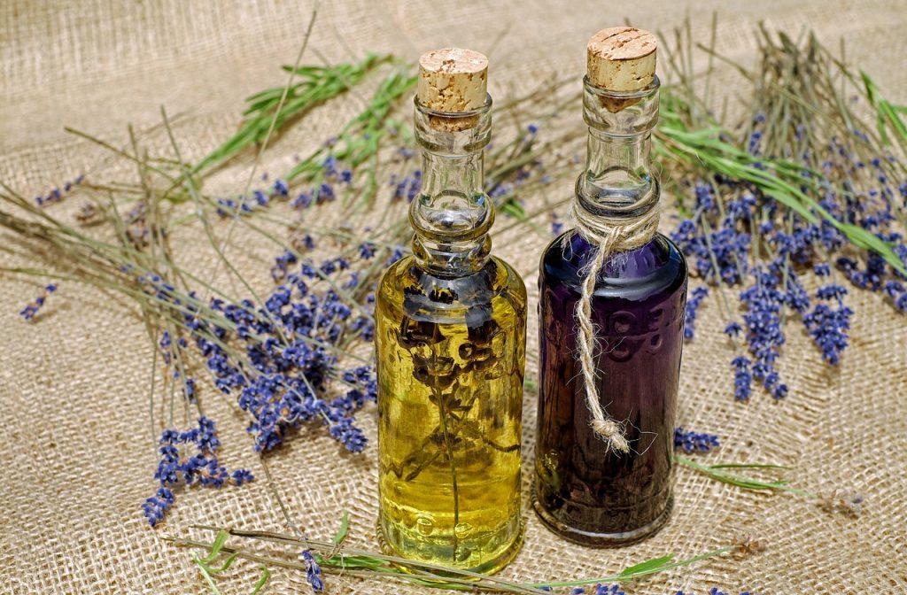 Olio essenziale lavanda uso esterno e ricette pratiche